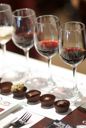 401px-Red_wine_and_chocolate_pairing