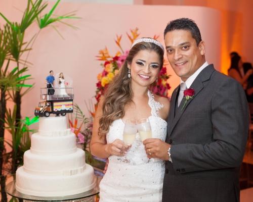 casamento axe - noivos mesa bolo
