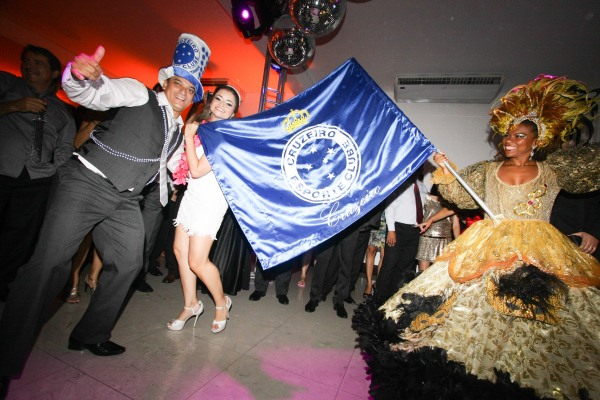 casamento axe - porta bandeira Cruzeiro